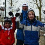 Beide winnaars met de beker, links Jordy van der Woude en rechts Yme van der Meer.